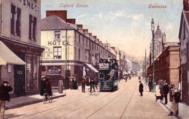 a tram in Swansea Oxford Street 1910's