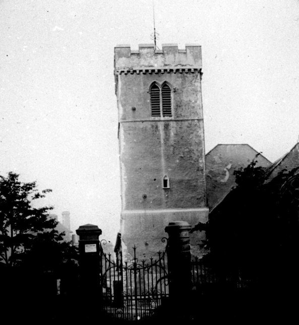 The older St Marys from Church Street (now proncess Way) Before 1895 when the church and grounds was remodelled
