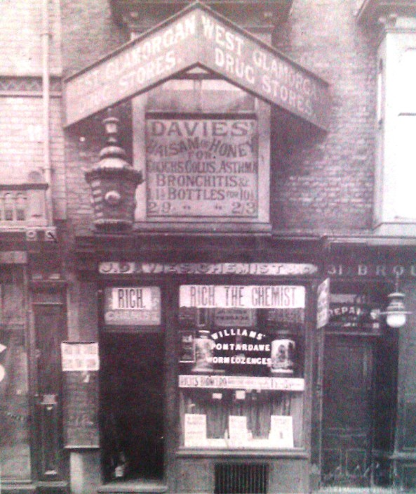 Chemist at 30 High Street in the 1890s