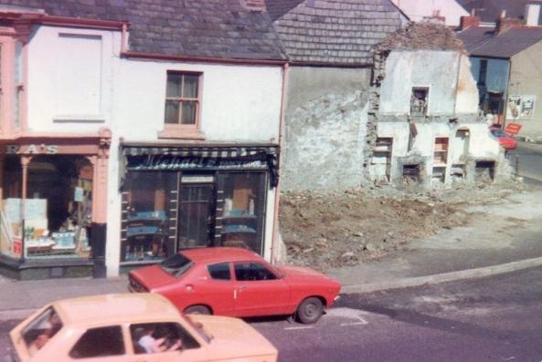 Demolishing Dillwyn St