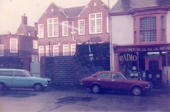 Oxford St School from Dillwyn St