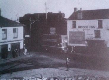 Bridge Inn and Red House St Thomas