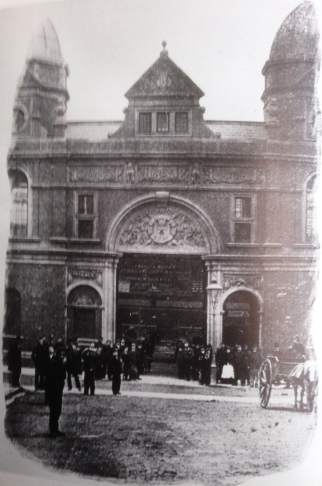 market entrance oxford street 1897